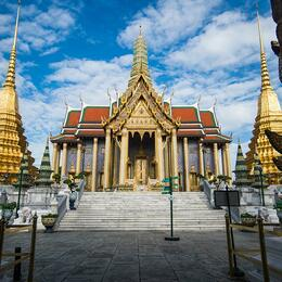 Grand-Palace-and-Emerald-Buddha-Walking-Tour