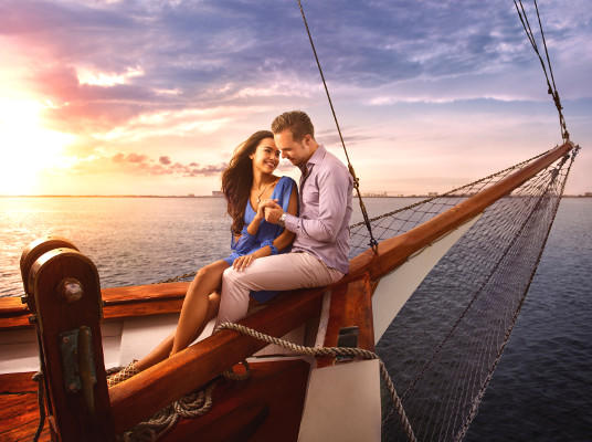Columbus Romantic Dinner Cruise with Steak or Veggie