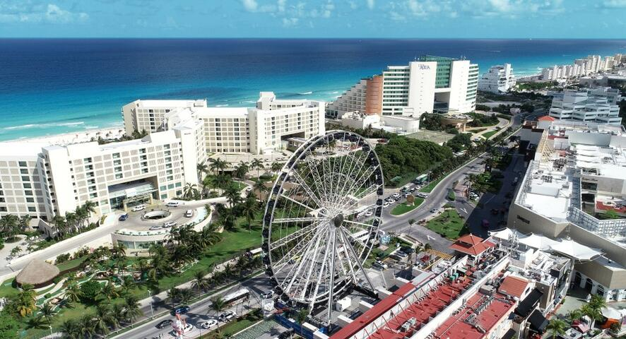 "La Gran Rueda Cancun ""The Wheel"""