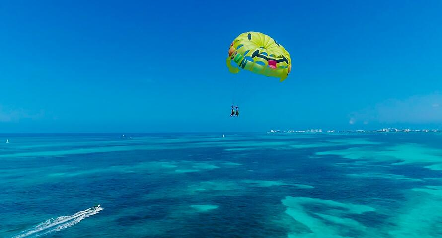 Parasailing Adventure | Go Cancun Pass
