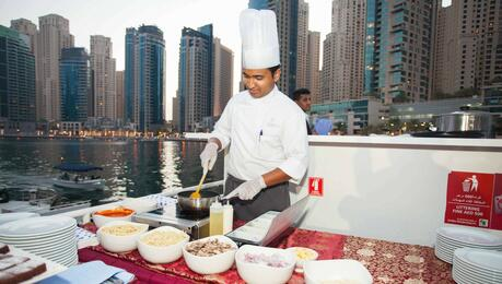 Dubai Sunset Dinner Cruise | Go Dubai Pass
