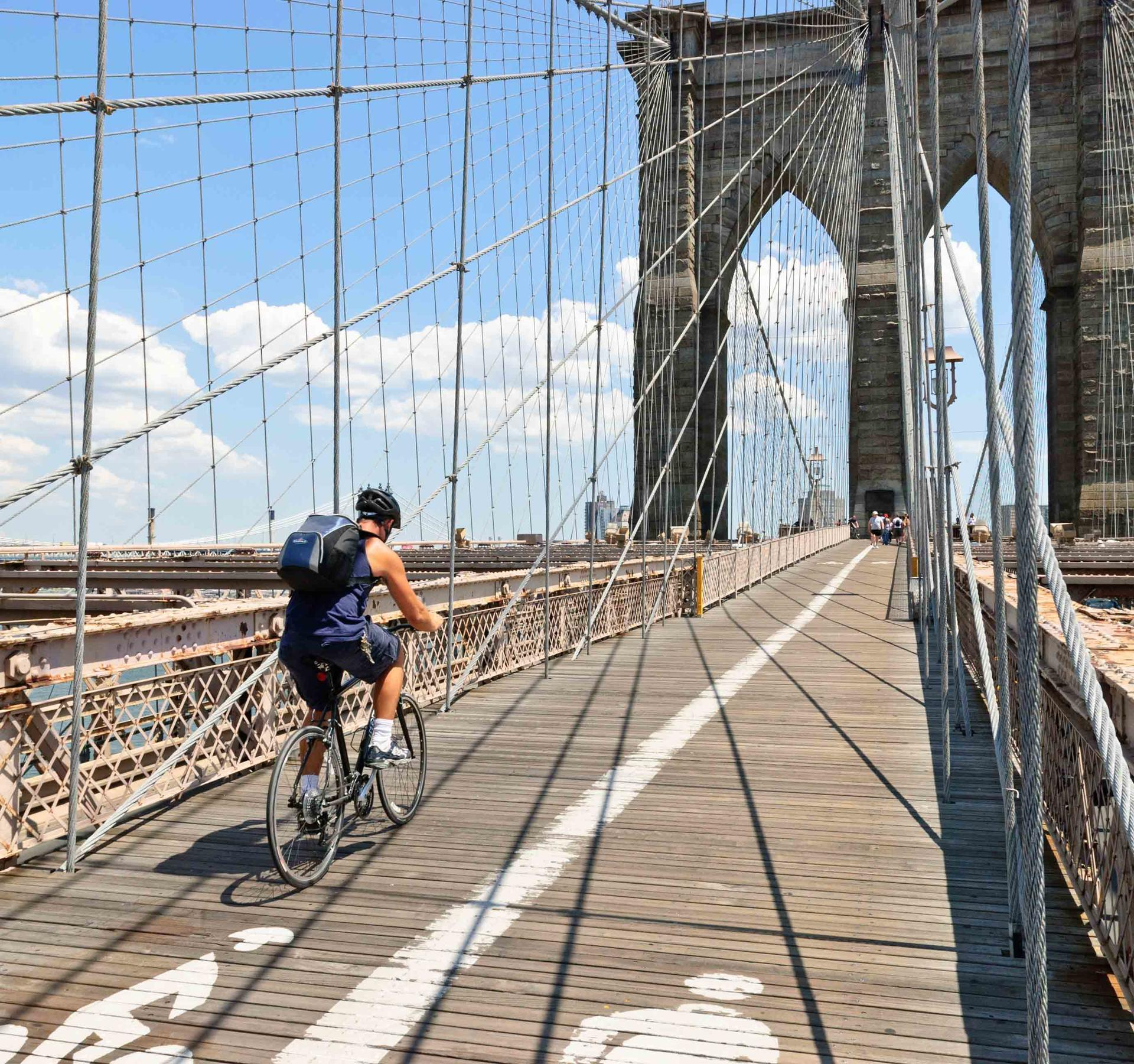 Brooklyn Bridge: bike rental